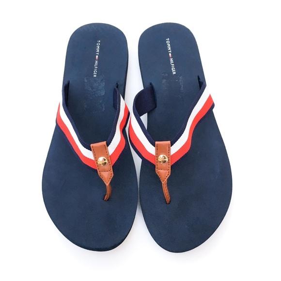810edb8202bd9 Women s Classic Tommy Hilfiger Navy Sandals sz 11.  M 5c3b1090a5d7c6a3d0f21dc9